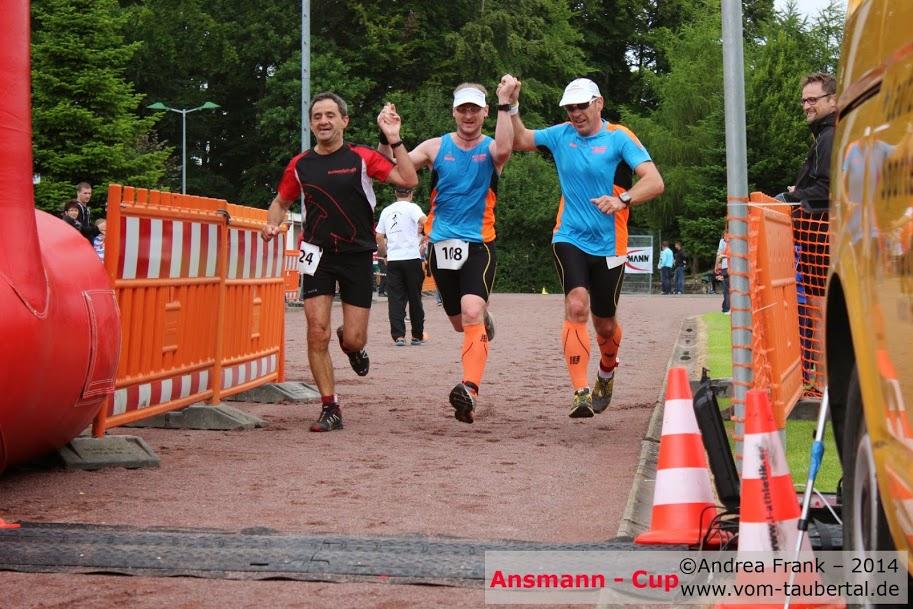 Zieleinlauf Ronny (Mitte) und Armin (rechts)