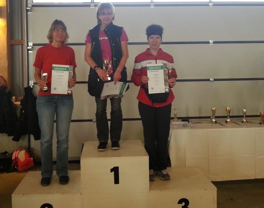 Siegerehrung Sabine Zipf AK Platz 3 - 31. Muswiesenlauf 2014