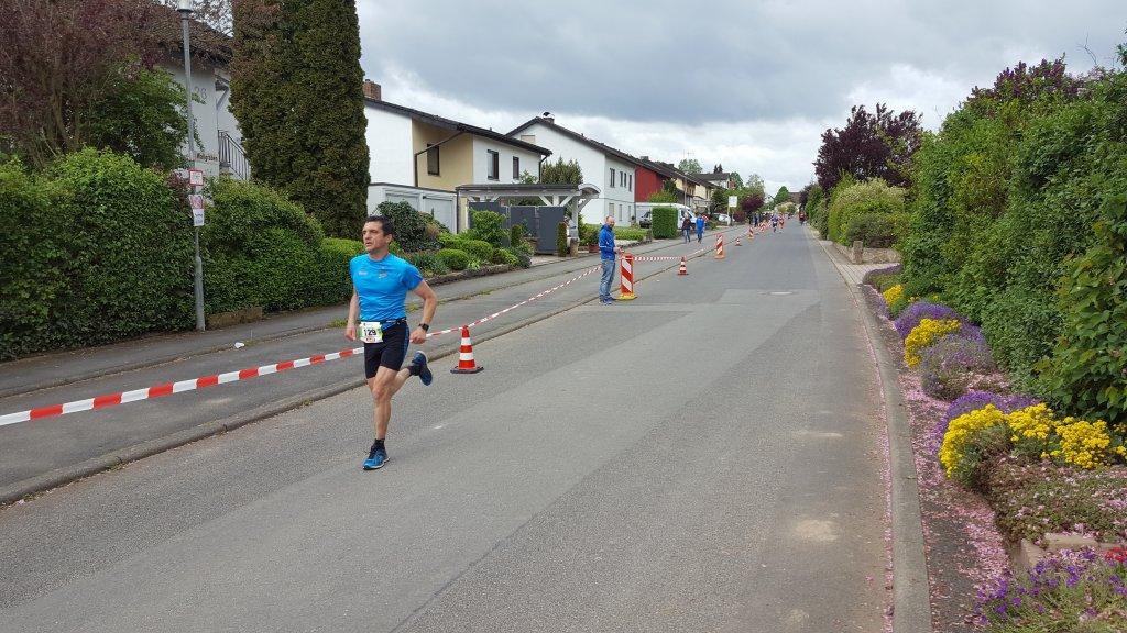 Harald Bauer auf den Weg ins Ziel in Elpersheim