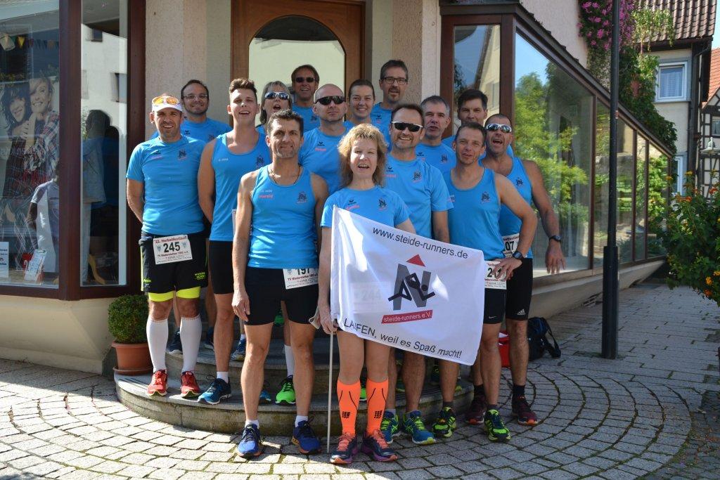 steide-runners beim Start des 22. Herbstfestlauf in Niederstetten