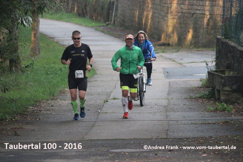 Steffen und Armin in Klingen bei Creglingen ~km22