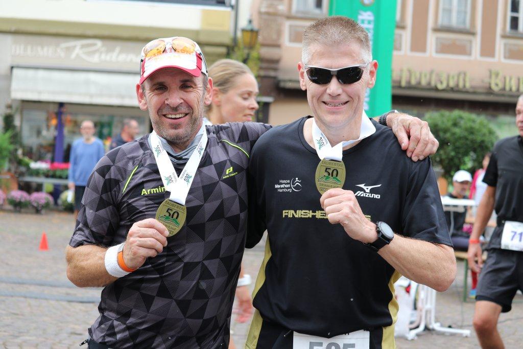 Ultramarathon Finisher Armin und Steffen