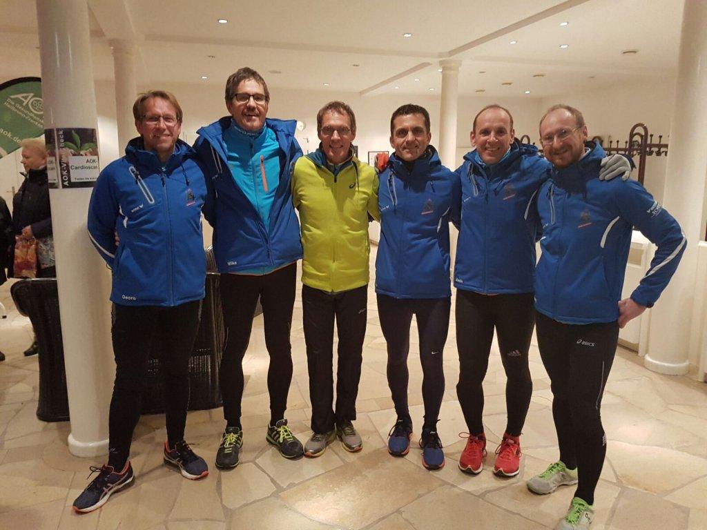 Dieter Baumann (Mitte) und steide-runners beim Weltdiabetes Tag in Bad Mergentheim