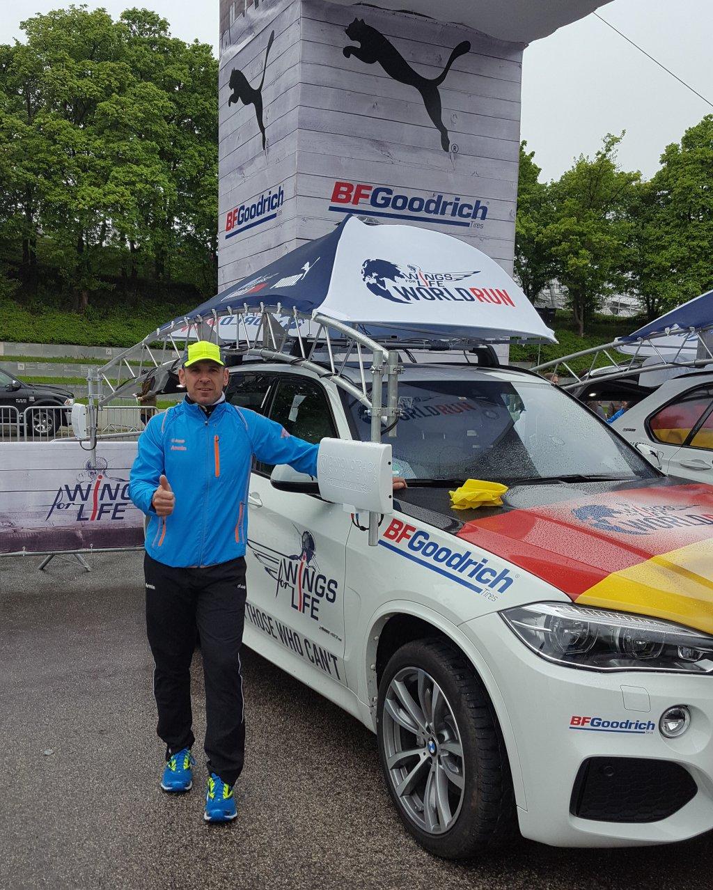 Armin neben dem Catcher Car