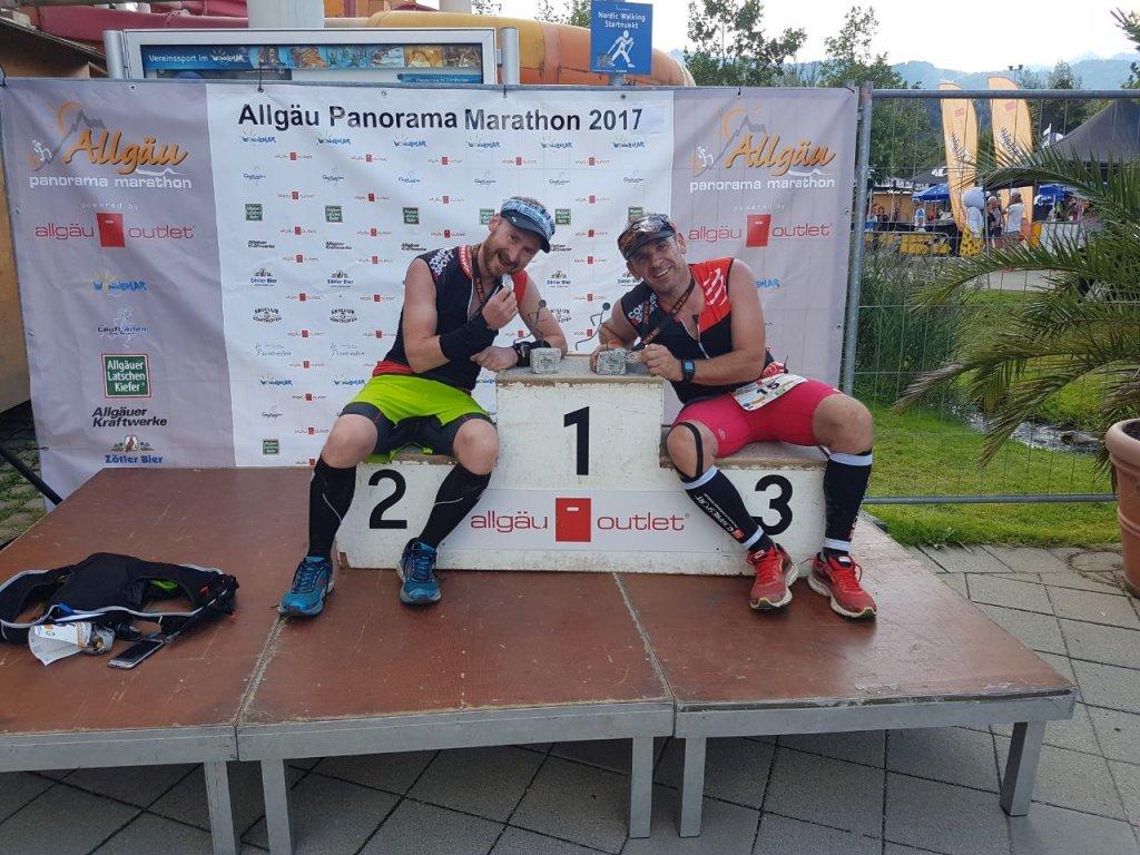 Ronny und Armin im Ziel beim 11. Allgäu Panorama Marathon in Sonthofen