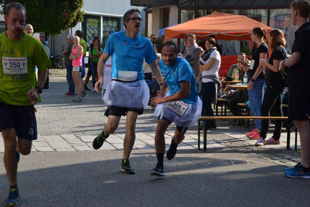 Wechselstelle Staffelläufer beim Rathaus in Niederstetten